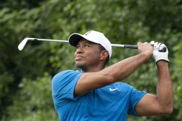Tiger Woods sustains multiple leg injuries