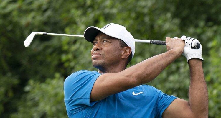 Tiger Woods sustains multiple leg injuries